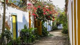 Paraty hotels near Praia do Pontal