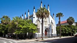 Charleston hotels near French Huguenot Church