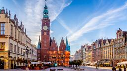 Wroclaw hotels near Ossolineum