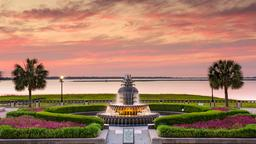 Charleston hotels near Waterfront Park